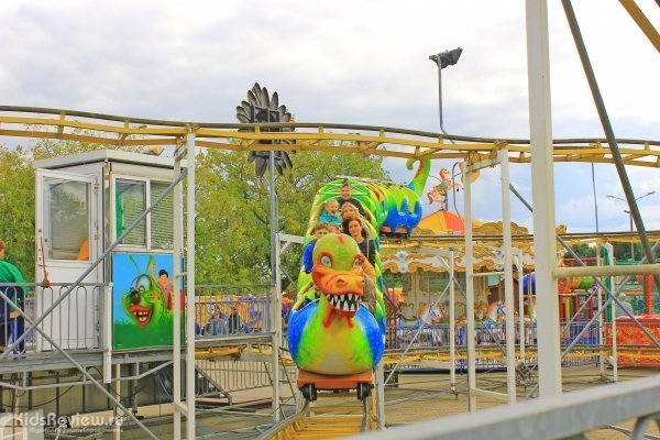"""""""Карусель"""", луна-парк для семейного отдыха в Коломенском, Москва"""