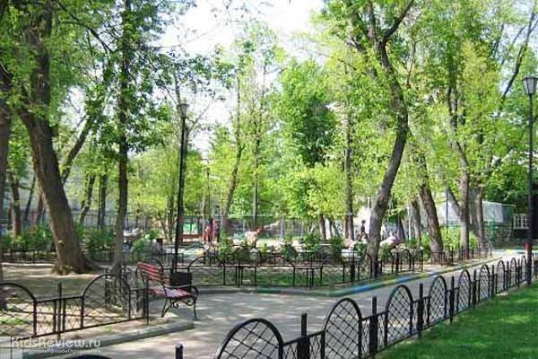 Милютинский сад, детский парк, центр эстетического воспитания на Покровском бульваре в Москве