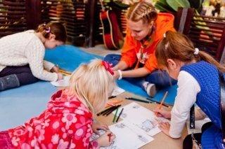 """Праздник начала учебного года в семейном клубе """"Счастливый малыш"""", Владивосток"""