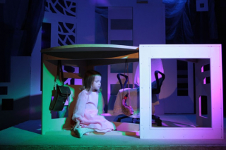 """""""Зима под столом"""", спектакль для подростков от 14 лет и взрослых в Лицейском театре, Омск"""