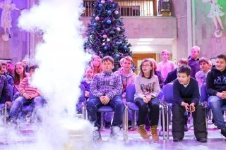 """Новогодние приключения"", научная елка для детей 8-13 лет от ""Праздника науки"", Москва"