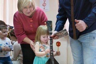 """Концерт дуэта """"Русское Банджо"""" для родителей с малышами от проекта """"Вместе с мамой"""", Москва"""