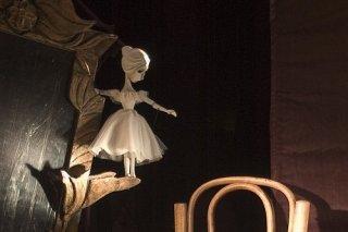 """""""Солнечный луч"""", спектакль для зрителей от 12 лет в Московском государственном театре кукол, Москва"""